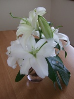 dyn_img:080525_披露宴頂き物の花.jpg